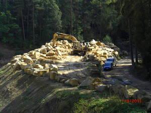 tonnensteine rohblock Natursteinwerk Schubert